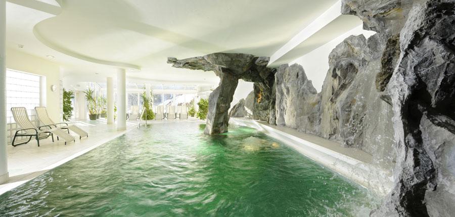 austria_saalbach_hotel_saalbacher_hof_indoor_pool.jpg